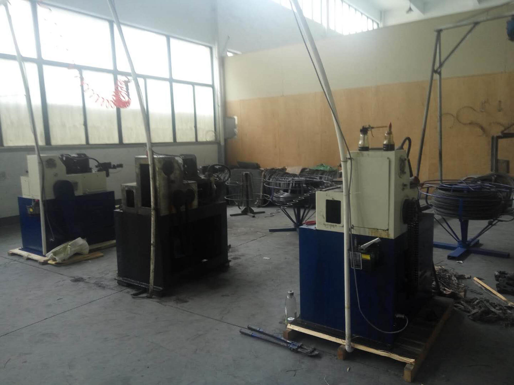 S shape spring forming machine